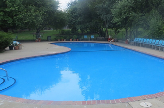 map1-outdoorpool.jpg